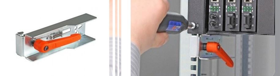 Montagehulpstuk; dé oplossing bij het installeren van 19 inch accessoires